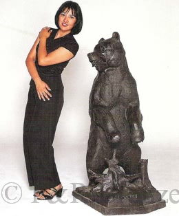 Monumental Grizzly bronze statue by Liberich